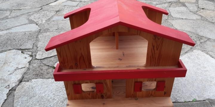 Maison poupée ou ferme en bois