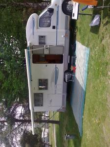 Super camping car peu de km avec 4 couchage