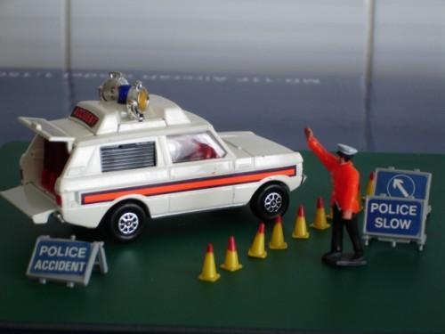 "Corgi Toys Set Police ""Vigilant"" Rover"