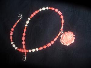 collier corail véritable rose et blanc