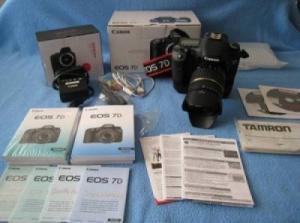 Canon 7D - 18-200mm avec poignée et sac