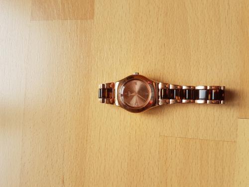 Montre swatch neuve pour femmes