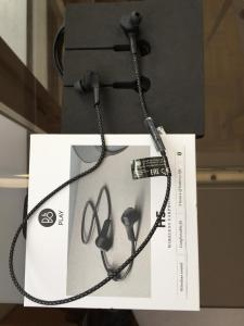 B&o H5 wireless earphones/écouteurs sans fil