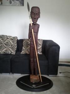 Sculpture sur bois, caricature natif afr
