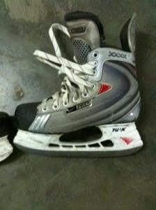 Patins de hockey sur glace taille 38.5 o