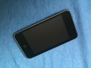 ipod touch 16 Gb et foure de protection