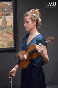Donne cours violon, Lausanne-Morges