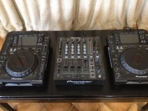 Instrument DJ 2xCdj 2000 + Djm700