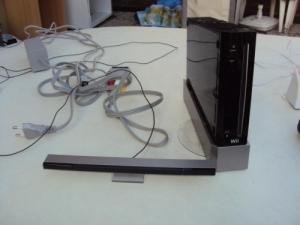 A vendre console Wii, manettes et jeux
