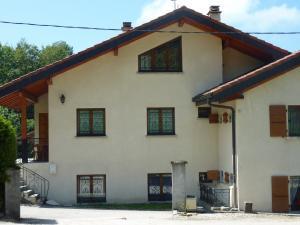 A 30 km de Genève maison 4 p. 86 m2 + balcon/terrasse