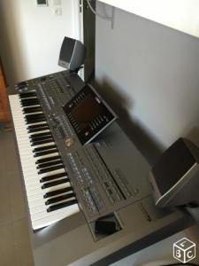clavier arrangeur YAMAHA Tyros 5