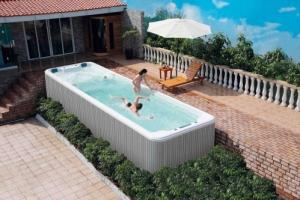 Spa de nage 4 places - SPADIUM - neuf