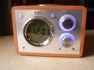 Magnifique radio réveil AEG
