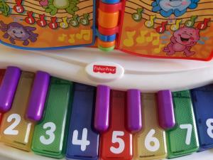 Piano éducatif Fisher Price