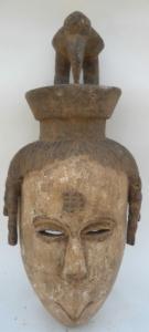 Beau masque Idoma original