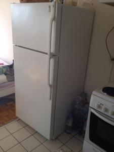 Je vends réfrigérateur urgent.