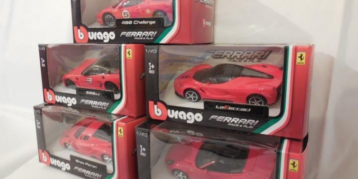 Collection voitures FERRARI miniatures