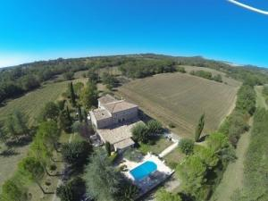 Gites ruraux cévennes piscine couverte.