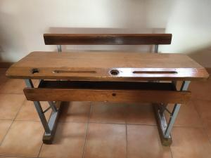 Ancienne table d'école