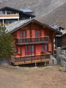 Saas-Fee Valais: charmant Chalet 9 pers