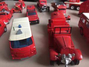 Véhicules miniatures de pompiers