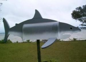 Boites aux lettres requin - saumon