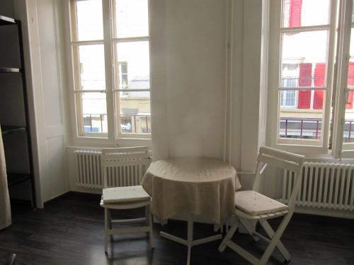 Neuchâtel-centre : Chambre à louer en zo