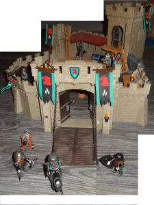 playmobil chateau chevaliers faucon